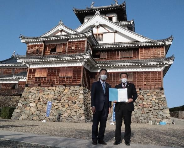 福知山城にて認定式